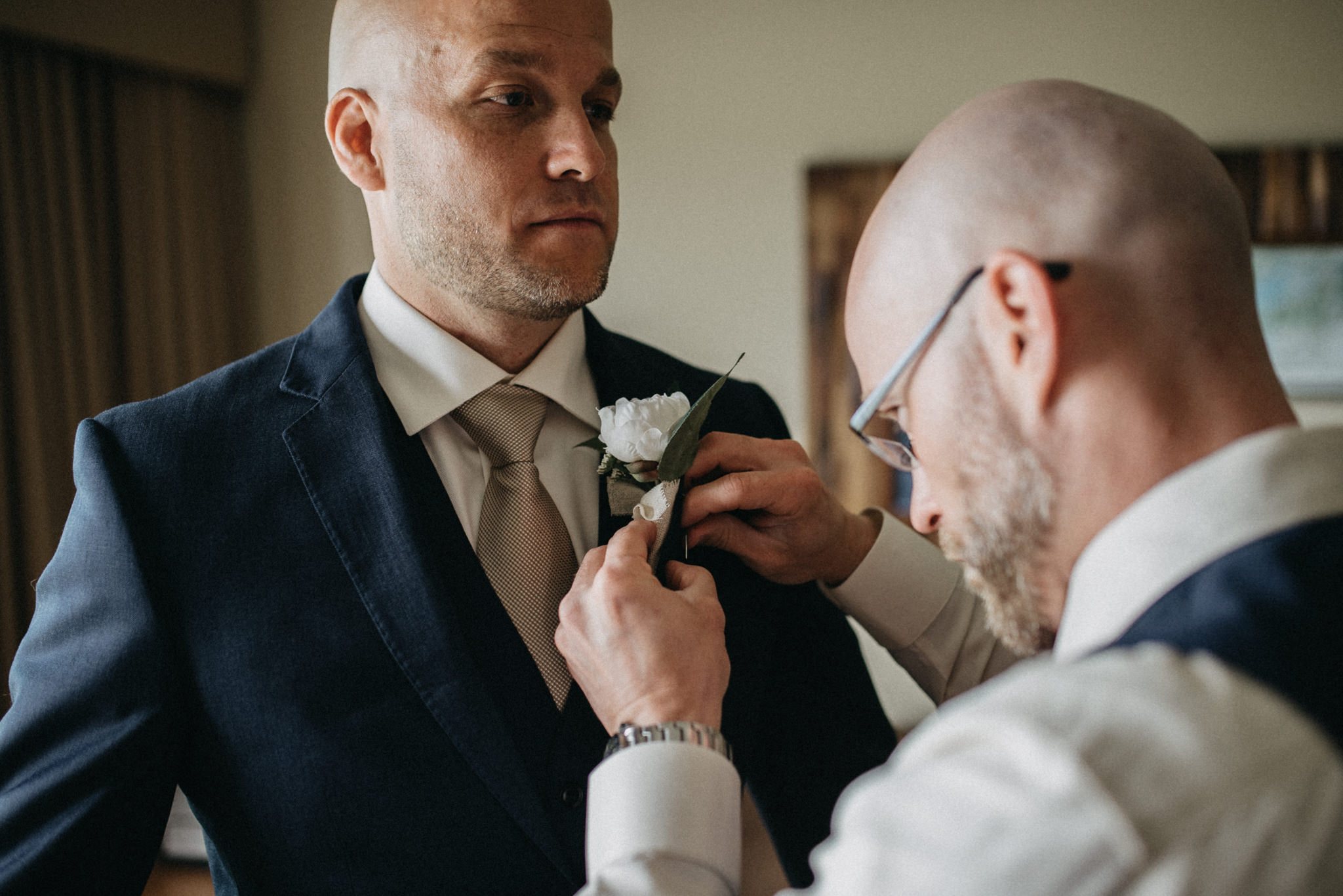 groom groomsmen prep